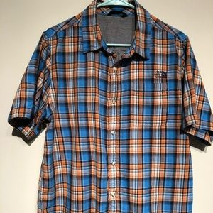 The North Face Mens short sleeve shirt size L